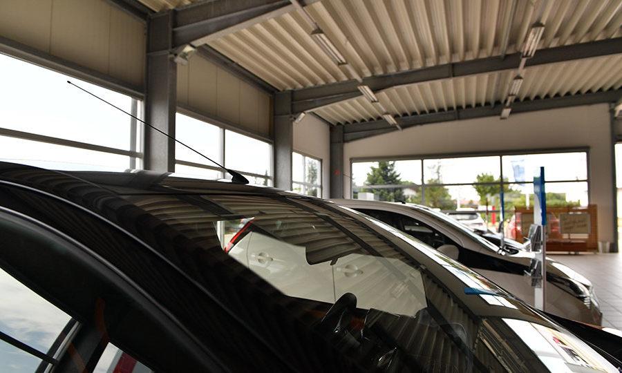 autohaus-engel-hof-innenbereich-nahaufnahme